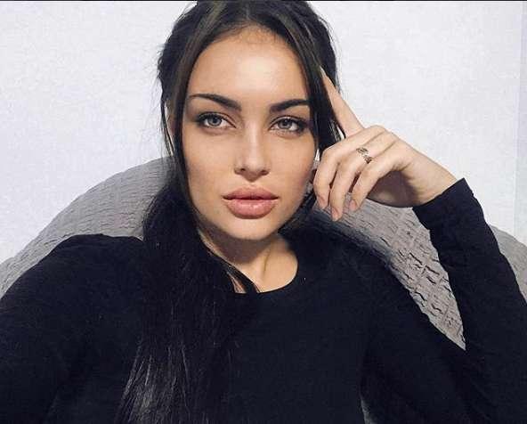 Online hot russian teen girl, ten nude na piscina fotos